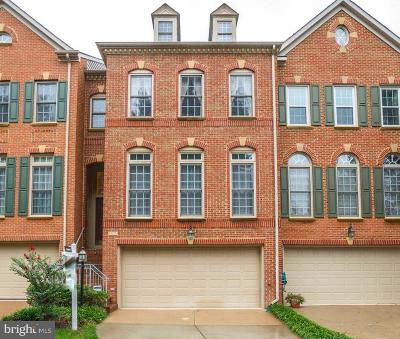 Vienna Townhouse For Sale: 9905 Trosby Court
