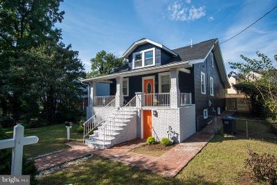 Woodridge Single Family Home For Sale: 2134 30th Street NE