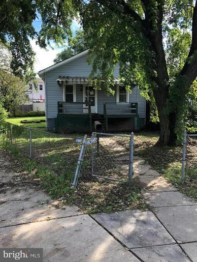 Washington Single Family Home For Sale: 635 49th Street NE