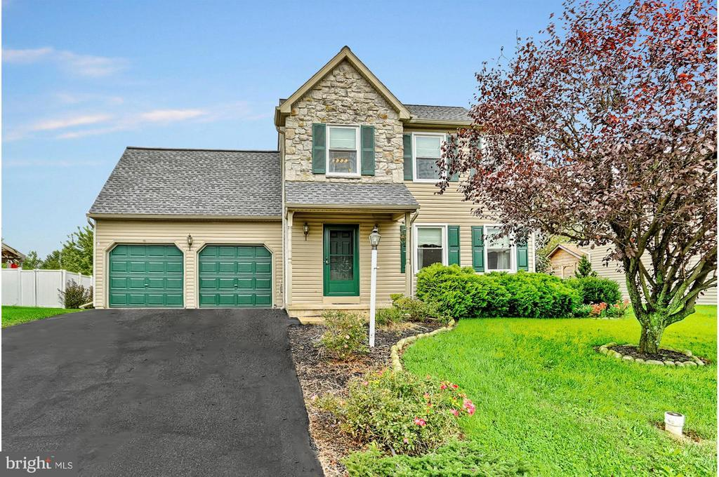 1878 Ashcombe Drive Dover Pa Mls 1007547456 Dover Homes For
