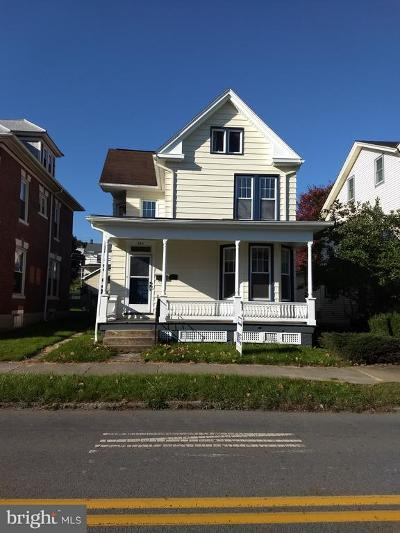 Newport Single Family Home For Sale: 215 N Fourth Street