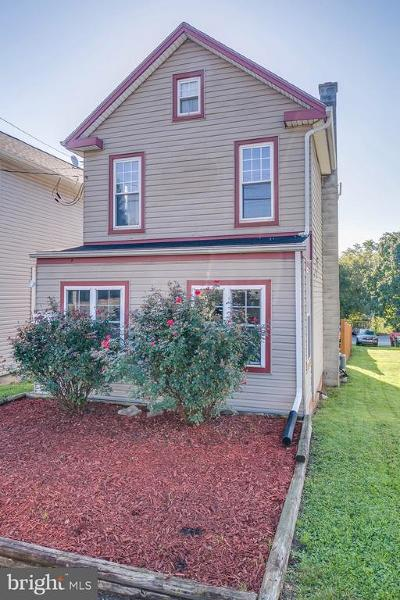 Lemoyne Single Family Home For Sale: 706 State Street
