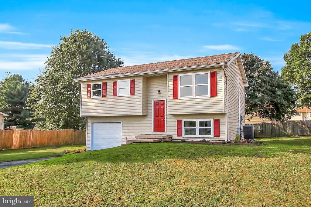 3560 Chickadee Drive Dover Pa Mls 1008136082 Dover Homes For