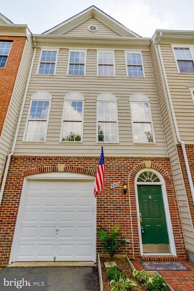 Lorton Townhouse For Sale: 8503 Bertsky Lane
