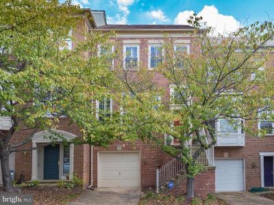 Alexandria City Townhouse Active Under Contract: 9 Arell Court