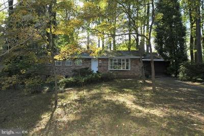 Fairfax Single Family Home For Sale: 10617 Howerton Avenue