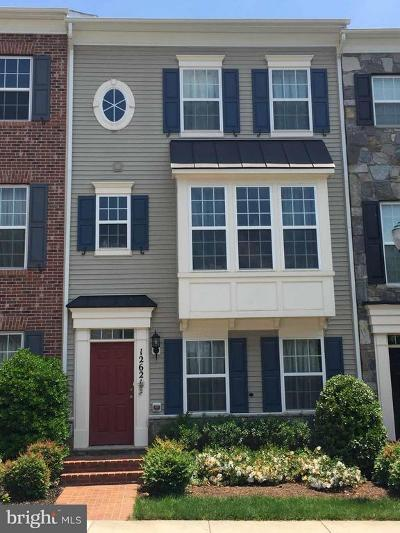 Clarksburg Village Townhouse For Sale: 12621 Horseshoe Bend Circle