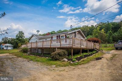 Great Cacapon Single Family Home For Sale: 283 Brooklyns Way