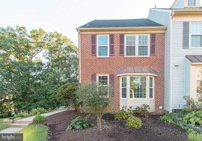 Centreville Townhouse For Sale: 14059 Betsy Ross Lane