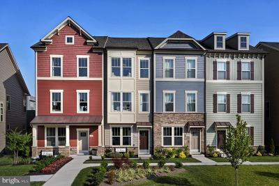 Villages Of Urbana Townhouse For Sale: 8819 Shady Pines Drive