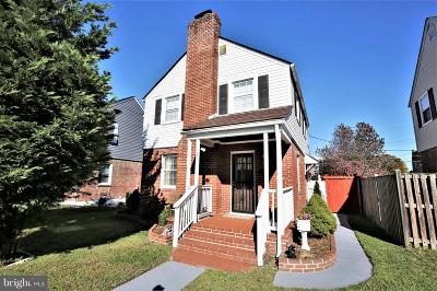 Single Family Home For Sale: 66 Yorkway
