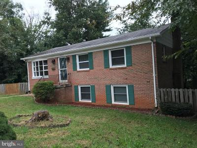 Dale City Single Family Home For Sale: 13904 Grove Court