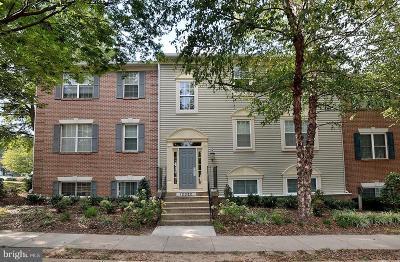 Fairfax, Fairfax Station Condo For Sale: 12022 Golf Ridge Court #430