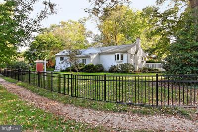 Falls Church Single Family Home For Sale: 3237 Dye Drive
