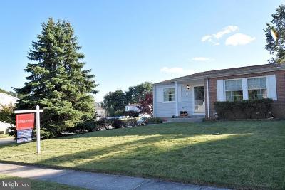 Baltimore Single Family Home For Sale: 4331 Hallfield Manor Drive