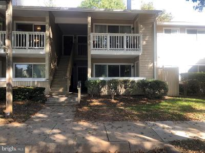 Germantown Condo For Sale: 18239 Swiss Circle #1-35
