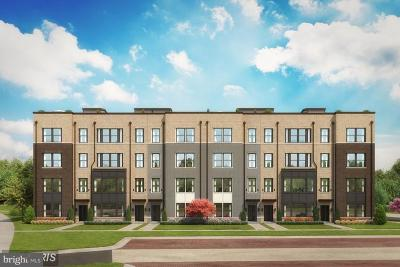 Reston, Herndon Condo For Sale: Herndon Parkway