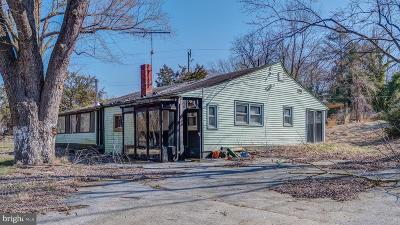 Temple Hills Single Family Home For Sale: 5611 Old Temple Hill Road