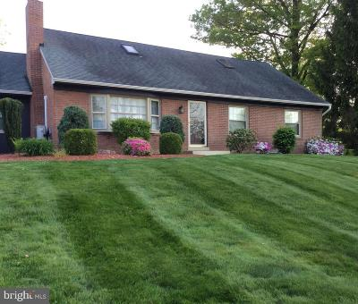 Lancaster PA Single Family Home For Sale: $254,900