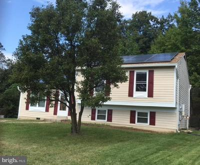 Oxon Hill Single Family Home Active Under Contract: 2004 Norlinda Court