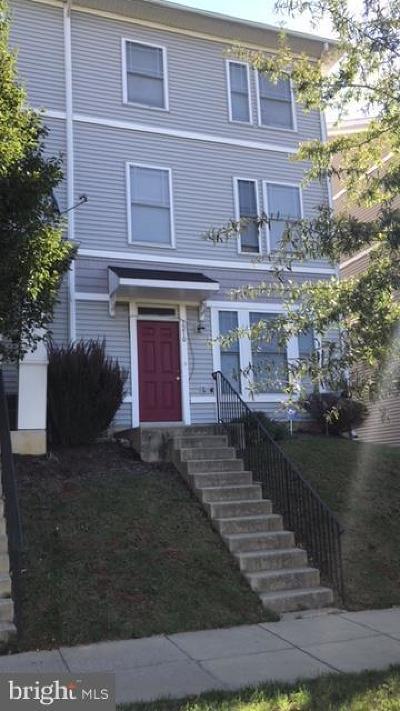 Washington Townhouse For Sale: 3210 15th Place SE
