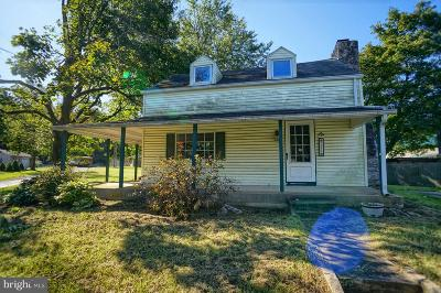 Mount Holly Springs Single Family Home Under Contract: 211 W Pine Street