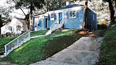Capitol Heights Single Family Home For Sale: 1403 Dunbar Oaks Drive