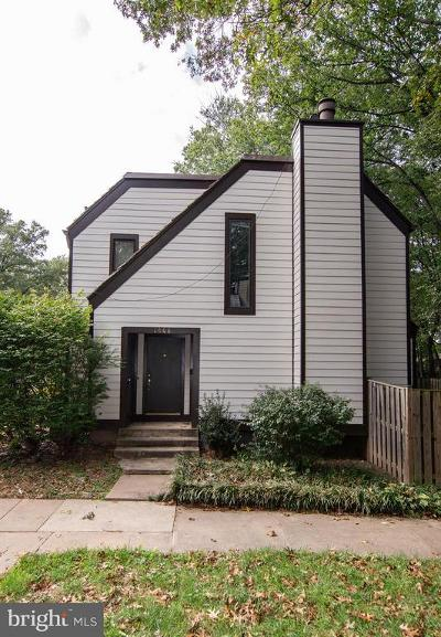 Reston Townhouse For Sale: 1506 Farsta Court