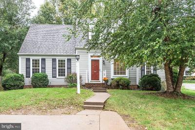 Reston Single Family Home For Sale: 11809 Briar Mill Lane