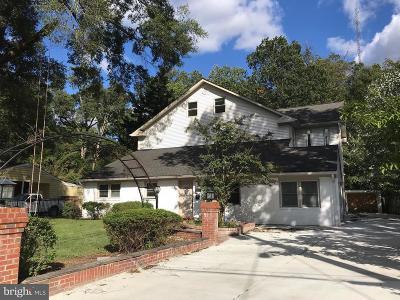 Alexandria Single Family Home For Sale: 7821 Ashton Street