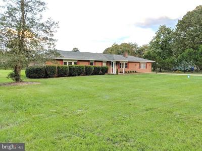 Charles County Single Family Home For Sale: 7072 Glen Albin Road