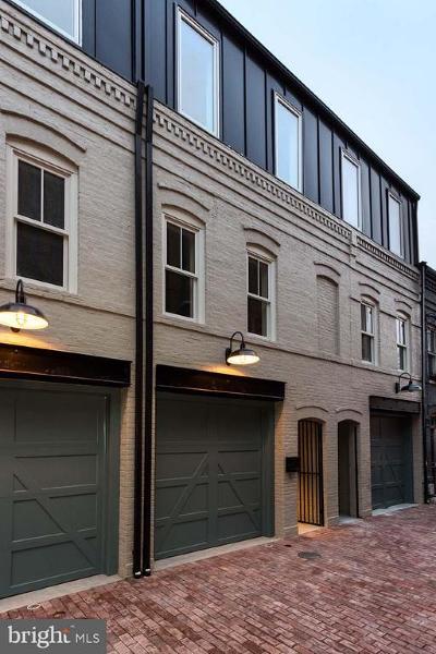 Townhouse For Sale: 1317 Linden Court NE