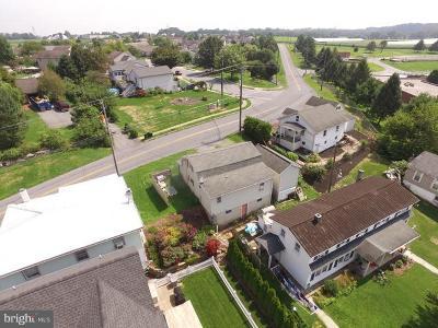 Lititz Single Family Home For Sale: 32 Lititz Run Road