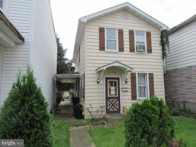 Cumberland Single Family Home For Sale: 428 Columbia Street