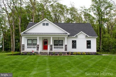 Single Family Home For Sale: 63 Comanche Circle