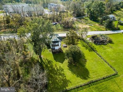 Baltimore Single Family Home For Sale: 7324 Dogwood Road