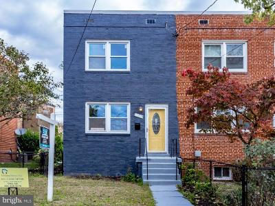 Washington DC Single Family Home For Sale: $525,000