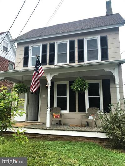 Milford Single Family Home For Sale: 605 N Walnut Street