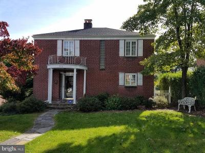 Cumberland Single Family Home For Sale: 852 Camden Avenue