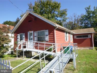 Croydon Single Family Home For Sale: 615 Cedar Avenue