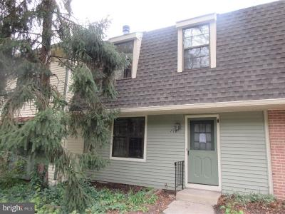 Cherry Hill Townhouse For Sale: 718 Kings Croft