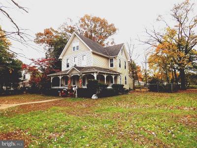 Edgewater Park Single Family Home For Sale: 841 Van Rossum Avenue