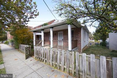 Washington Single Family Home For Sale: 3342 SE Ely Place SE