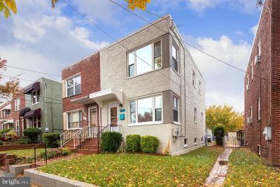 Washington Single Family Home For Sale: 564 Nicholson Street NE