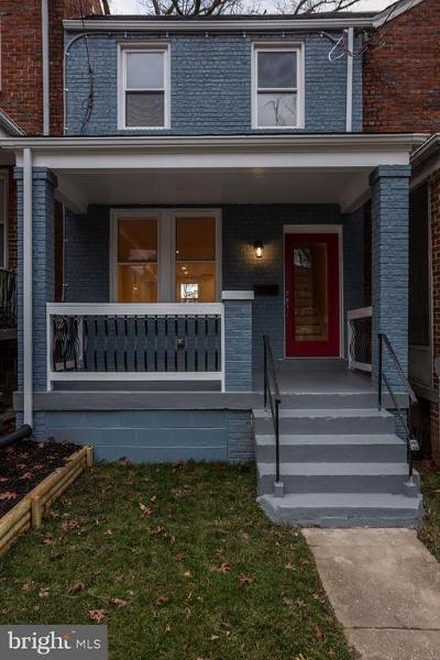 Woodridge Townhouse For Sale: 2607 Franklin Street NE