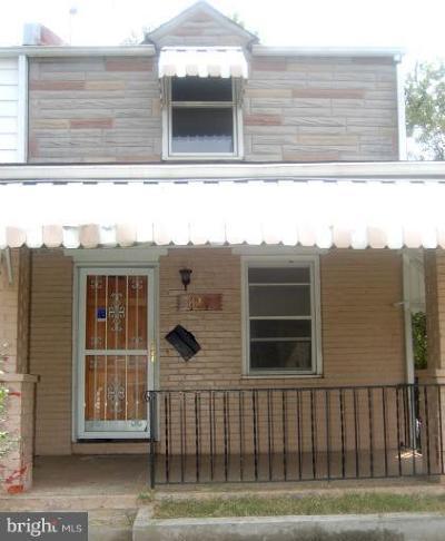 Washington Single Family Home For Sale: 819 52nd Street NE
