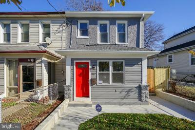 Single Family Home For Sale: 907 44th Street NE