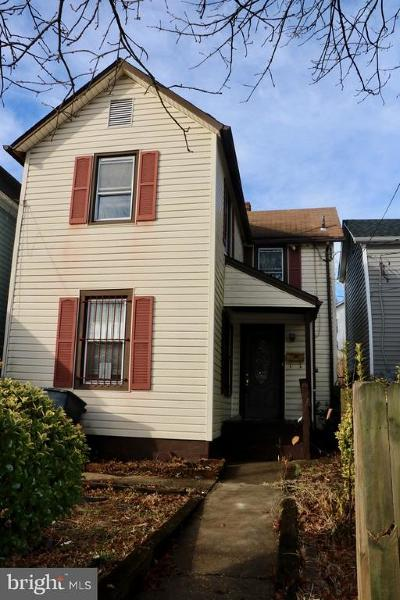 Brentwood Single Family Home For Sale: 2510 22nd Street NE