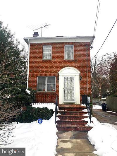 Washington DC Single Family Home For Sale: $795,000