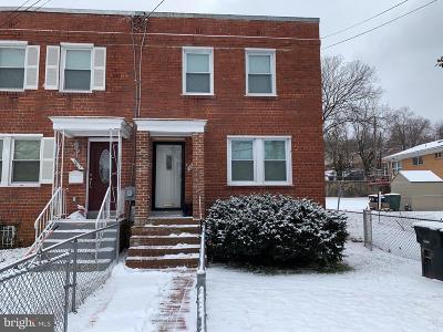 Washington Single Family Home For Sale: 4609 Hillside Road SE